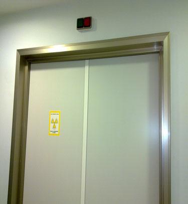 Puertas de servicios sanitarias para salas de radiologia - Puertas de servicio ...