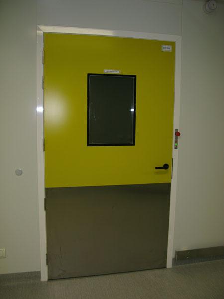 Puerta de servicios sanitaria salas blancas tsp marco - Puertas de servicio ...